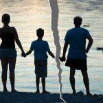 5 Kesalahan yang Dilakukan Orang Tua yang Bercerai kepada Anaknya