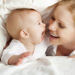 Apa Saja Perkembangan Bayi Usia 1 Tahun?