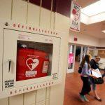 Pentingnya Menyediakan Fasilitas Alat Setrum Jantung (Defibrillator) di Tempat Kerja